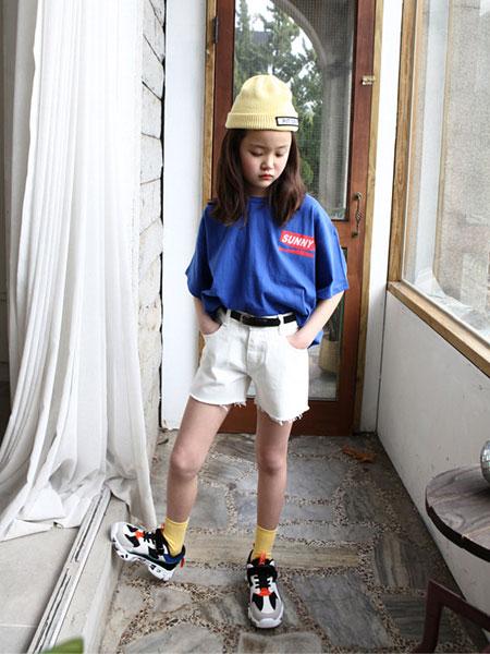 迪菲奥童装品牌2019春夏个性字母印花圆领短袖落肩宽松休闲百搭T恤