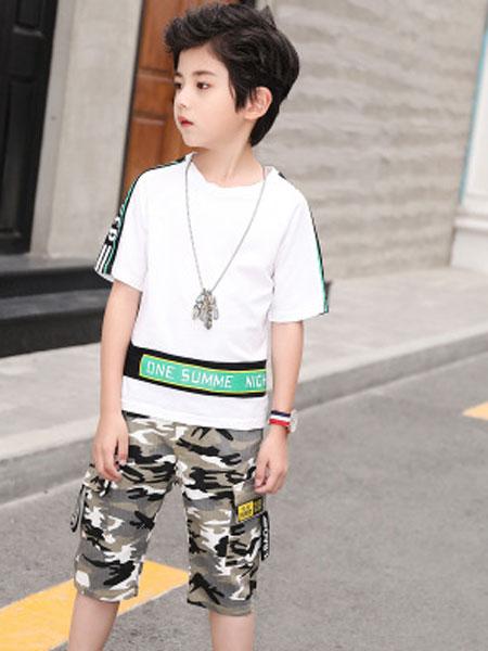 韩宸童装品牌2019春夏迷彩短裤男童运动套拼接字母印花短袖