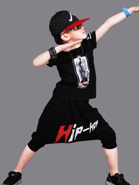 爱尔骏妮、小小树童装品牌2019春夏嘻哈街舞短袖套装