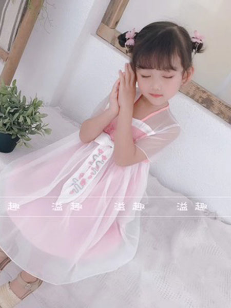 两小无猜童装品牌2019春夏休闲网纱吊带连衣裙
