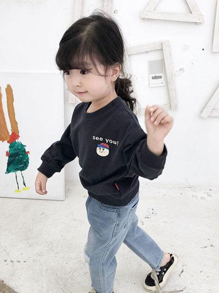 嘻哈猴童装品牌2019春夏卫衣圆领女宝宝上衣