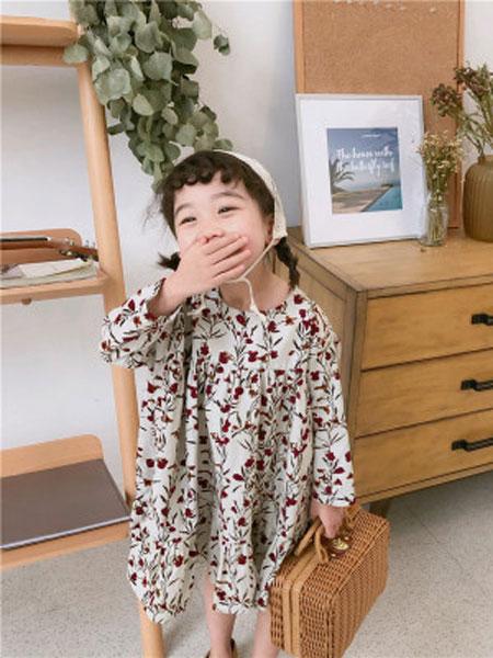 品诺童装品牌2019春夏碎花细条灯芯绒连衣裙
