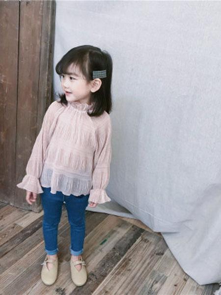 品诺童装品牌2019春夏立领压皱内搭打底衫柔纱百褶T恤上衣