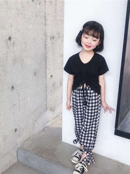 品诺童装品牌2019春夏抽绳短袖T恤+复古格子裤套装