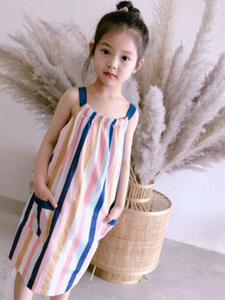 Sumcico童装品牌2019春夏彩虹竖条纹吊带连衣裙