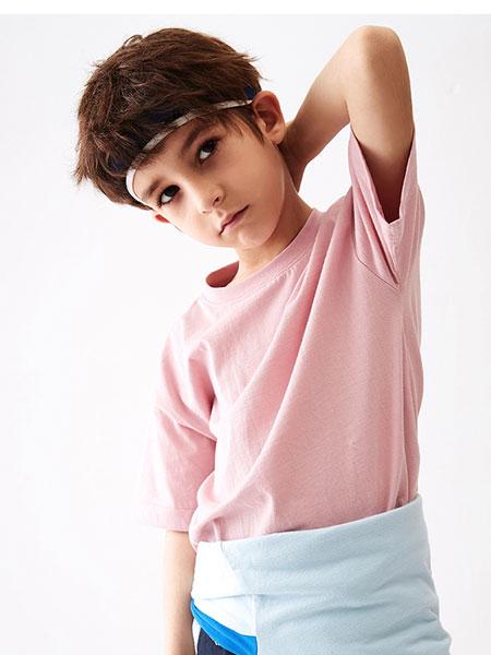 MQD让孩子们能够接触到极新、极快、极有个性和气质的服饰文化