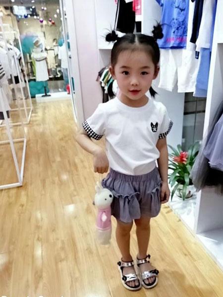 可米芽童装品牌2019春夏时尚休闲套装