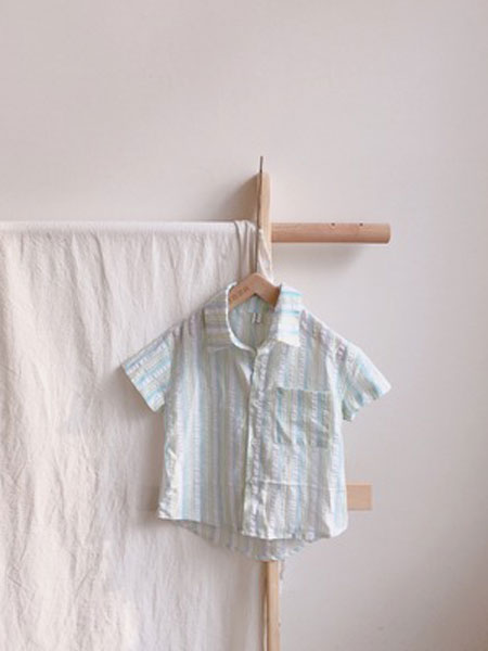 小米羊童装品牌2019春夏竖条短袖衬衫
