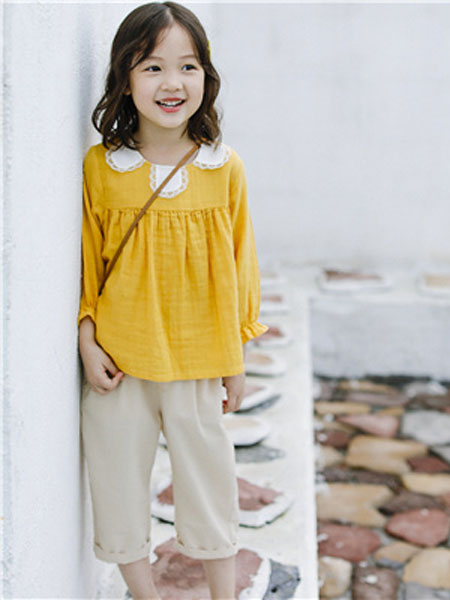 米可朵儿童装品牌2019春夏黄色长袖套头衫