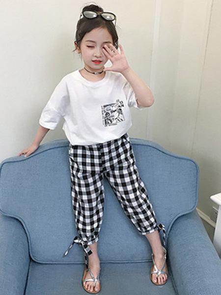 依珊恋童装品牌2019春夏韩版中大童漫画短袖T恤+格子休闲裤两件套