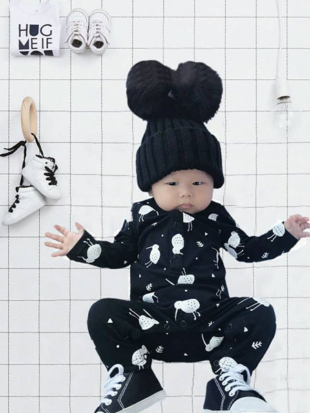 婴二代童装品牌2019春夏薄款长袖空调服睡衣外出抱衣潮款