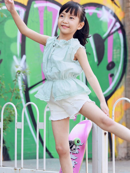 V-rules童装品牌2019春夏新品白色无袖蕾丝花边系带上衣女童