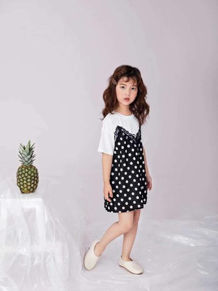 田果果童装品牌2019春夏新款韩版拼接短袖T恤波点百褶裙