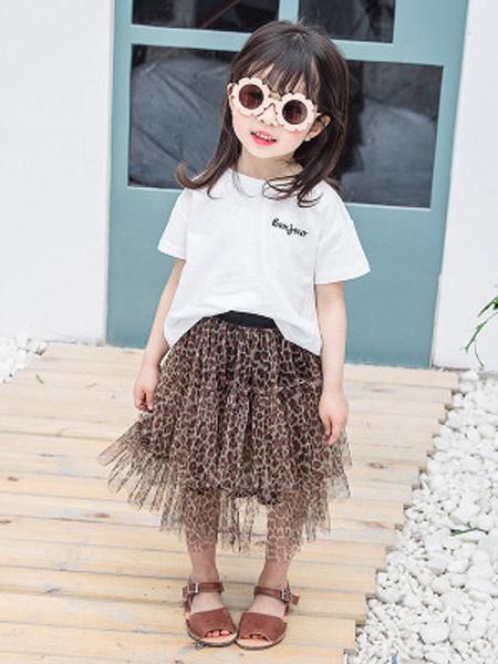 黎豆童装品牌2019春夏新款韩版纯棉字母印花上衣宝宝露背短袖T恤