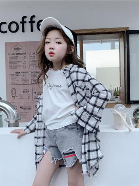 咸鱼太太童装品牌2019春夏新款时尚格子防晒衣中长款女宝宝超薄外套