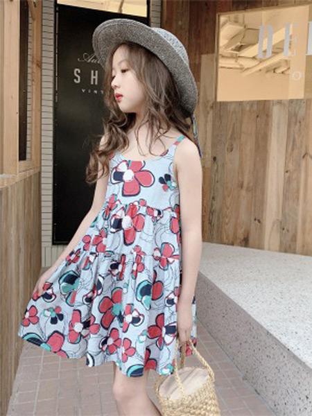 咸鱼太太童装品牌2019春夏新款蓝底太阳花裙子轻薄透气吊带连衣裙
