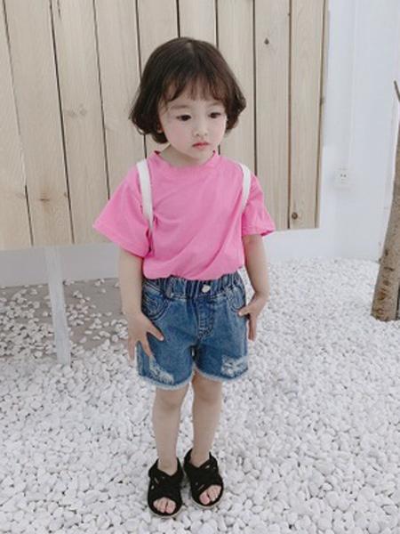 二丫 甜童装品牌2019春夏新款时尚百搭韩版破洞牛仔裤