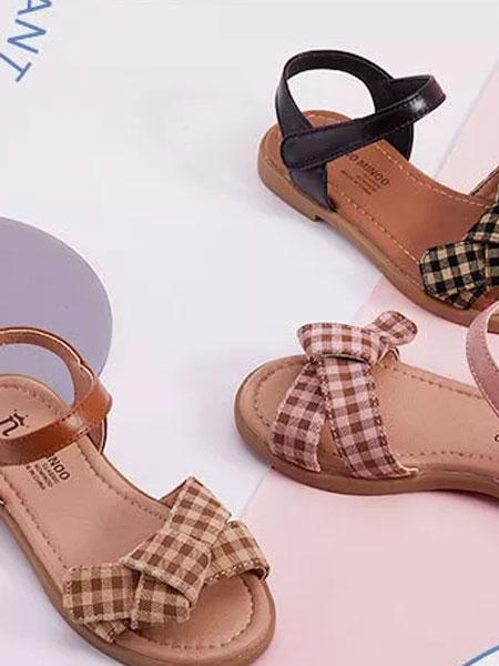 �Z米洛童鞋品牌�庥羯�活�庀⒌南盗姓嫫ね�鞋