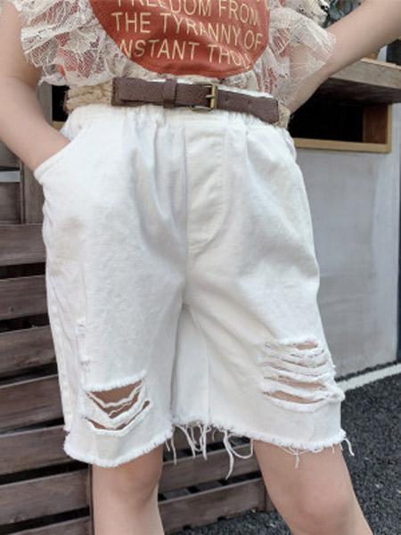 木口羊童装品牌2019春夏新款韩版纯色时髦休闲裤洋气割破白色中裤
