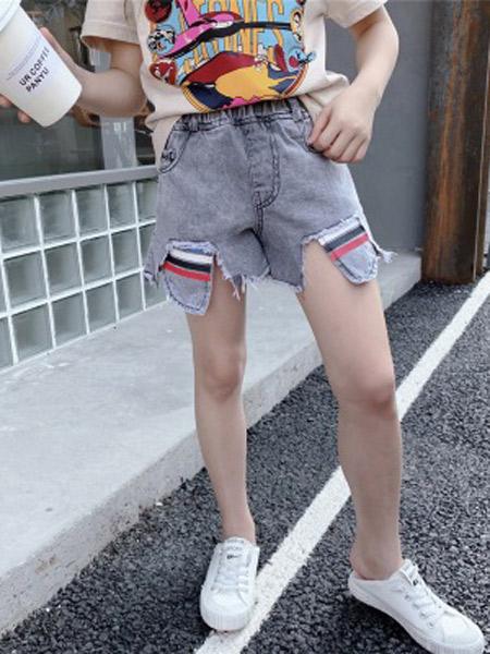 木口羊童装品牌2019春夏新款韩版时髦毛边牛仔短裤