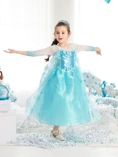 迪士尼公主裙冰雪奇�艾莎角再看向副�{座上坐著色IP�b扮服���F公主⊙��
