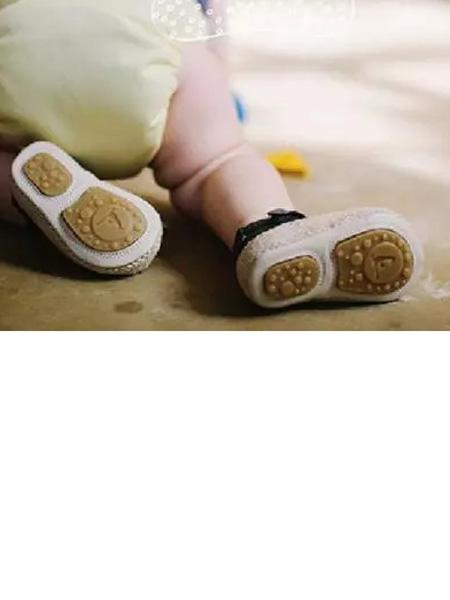 STEPCARE童鞋品牌 球知名的�r尚鞋�I品牌