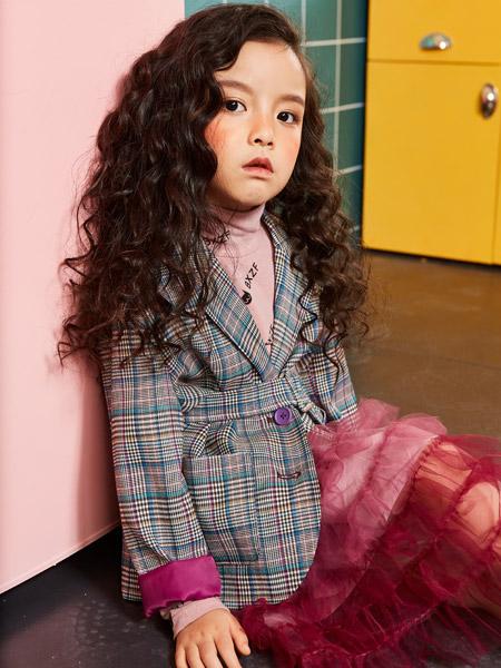 小资范童装品牌2019秋冬新款韩版时尚双排扣格子小西装上衣