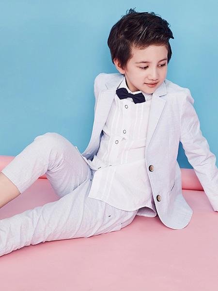 快乐精灵童装品牌2019秋冬新款西服外套白色西装演出服花童礼服