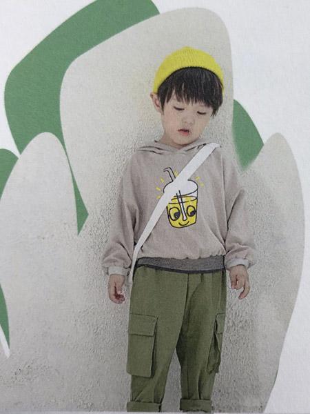 依草轩童装品牌2019秋冬新款韩版洋气休闲连帽套头卫衣