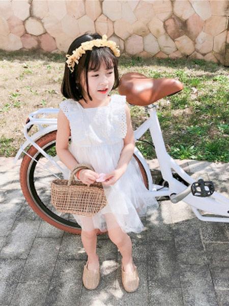 润途童装品牌2019春夏新款时尚可爱方领蕾丝网纱背心裙潮