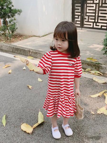 赫拉米斯童装品牌2019春夏新款樱桃刺绣条纹珠地鱼尾连衣裙