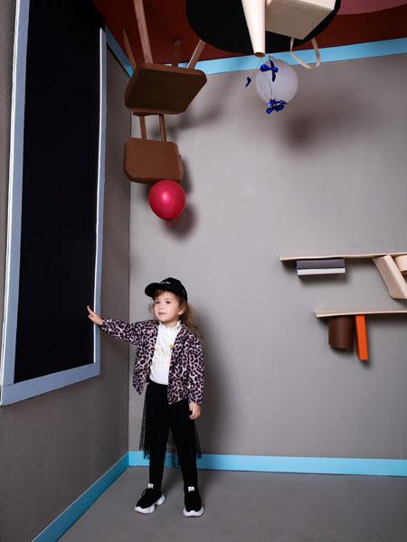 今年秋冬儿童服装流行风格,迷你铅笔青青草成人在线潮流率先看