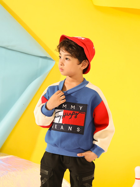 叽叽哇哇品牌童装-紧贴国际服饰潮流