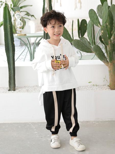 早秋穿欧米源童装品牌卫衣 轻松演绎孩子的活力感