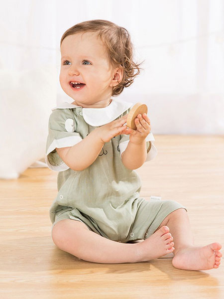麦拉贝拉童装品牌2019秋冬女童洋气飞袖上衣小童短袖T恤儿