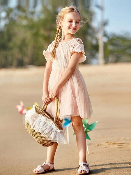 笛莎童装品牌孩子的心灵去体会,以开阔的胸襟,纯良的品格