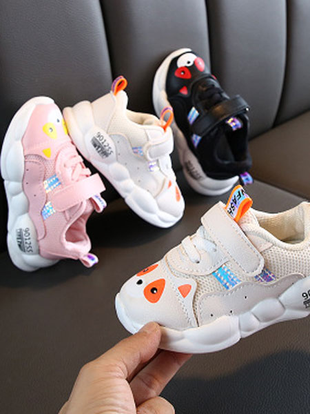纽伊莱童装品牌2019秋冬儿童小猪鞋宝宝男童运动鞋