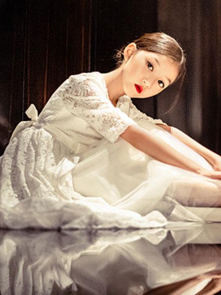 天阜童装品牌2019秋季很仙的泡泡袖网纱连衣裙女白色裙子韩版