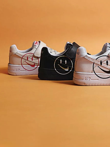 太�仔童鞋品牌匠心��造方能照亮迷惘