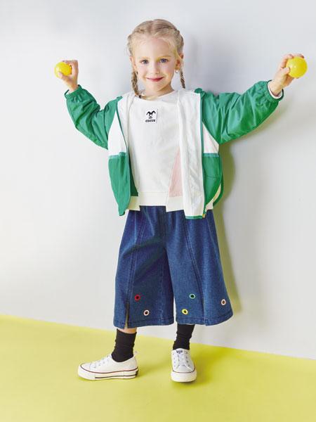 小鲨诺拉童装品牌2019秋冬纯棉短袖t夏季清新绿拼接字母不对称T恤