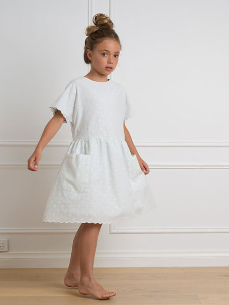 Petite Amalie童装品牌2019春夏白色连衣裙