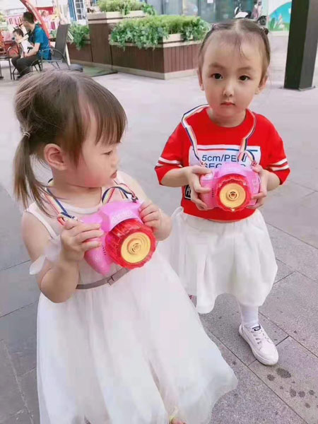 可米芽童装品牌2019白色蓬蓬裙