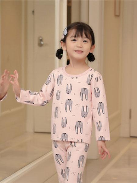 安美童装品牌2019春夏印粉色印花睡衣