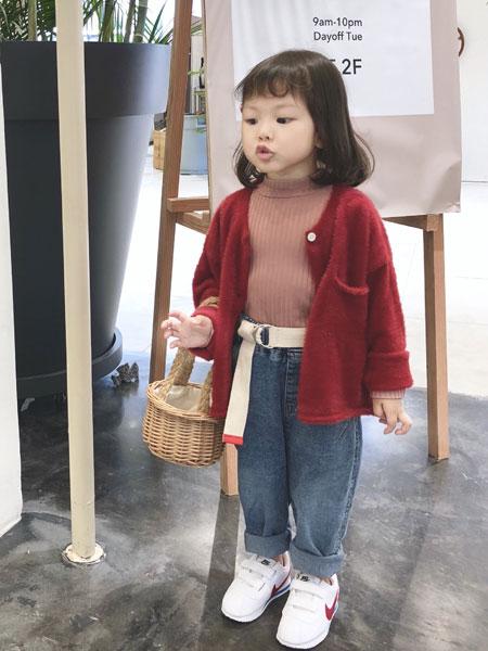 萌恩小酱童装品牌2019秋冬红色毛衣外套