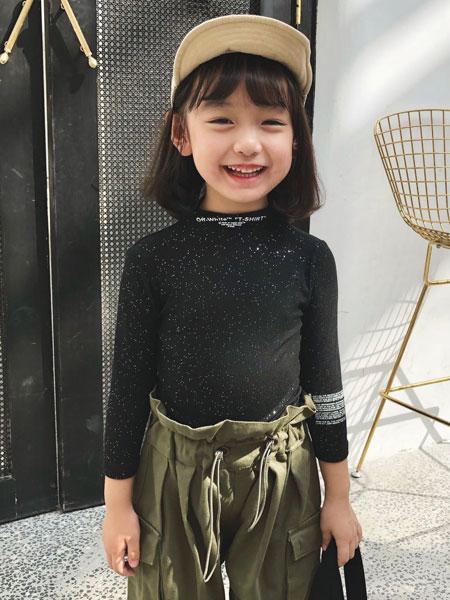 萌恩小酱童装品牌2019秋冬黑色上衣紧身