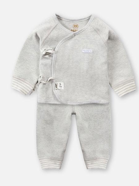 贝儿童品童装品牌2019秋冬保暖舒适纯色套装