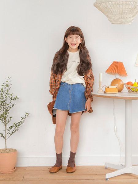 Stylenoriter童装品牌2019秋冬字母印花T恤