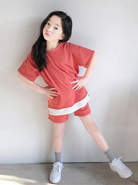 The Jany童装品牌2019秋冬红色上衣