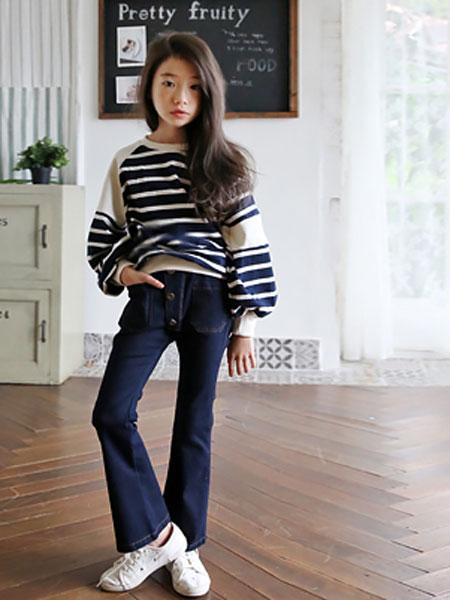 The Jany童装品牌2019秋冬条纹卫衣