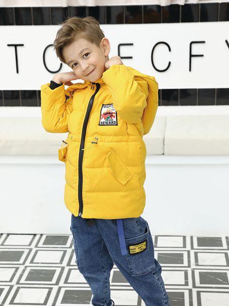 芭乐兔童装品牌2019秋冬黄色羽绒服